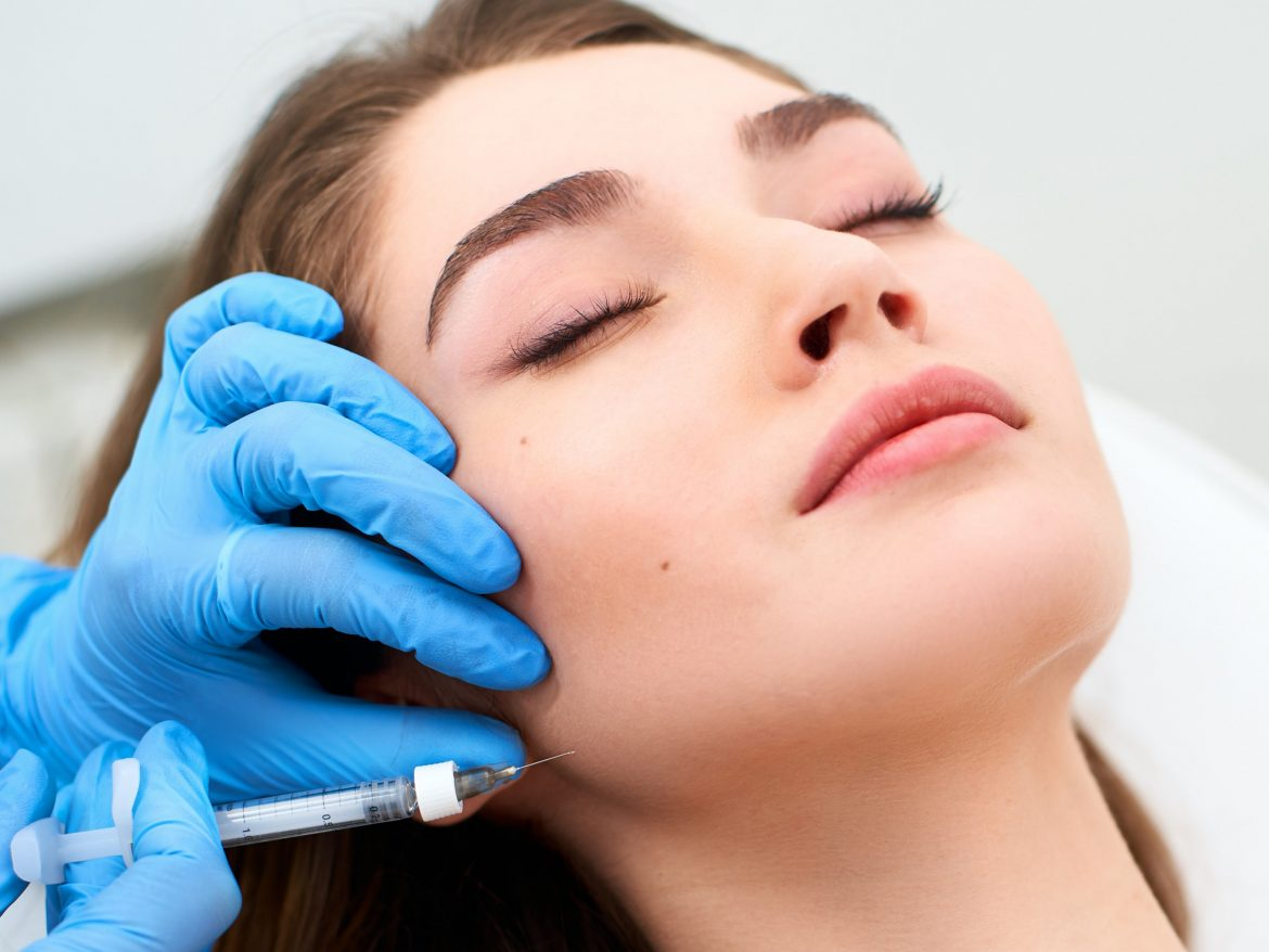 Aesthetic procedures: the growing number of facelifts and non-invasive procedures